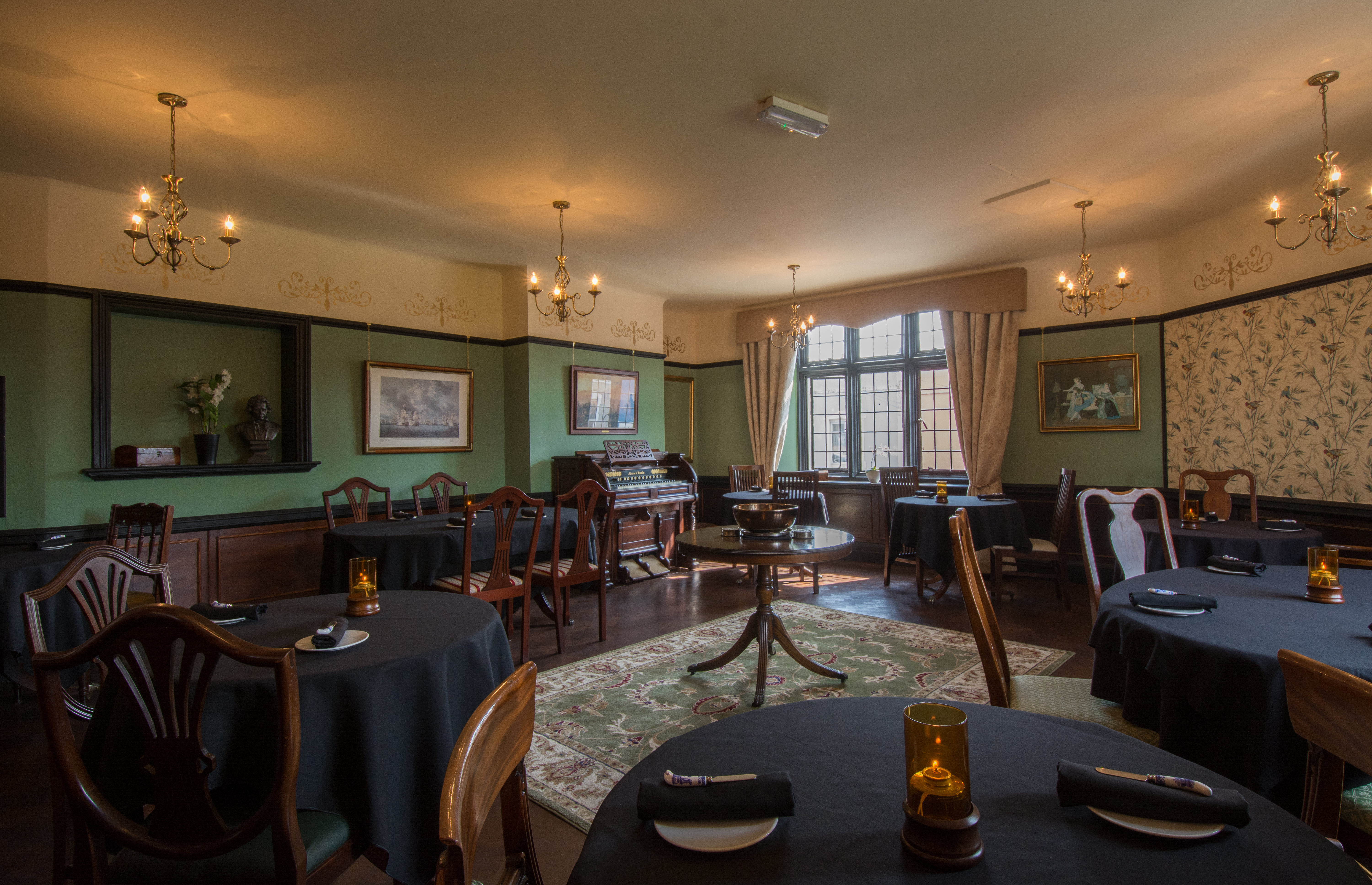 Review The Historical Dining Rooms Bristol Saucy Pans